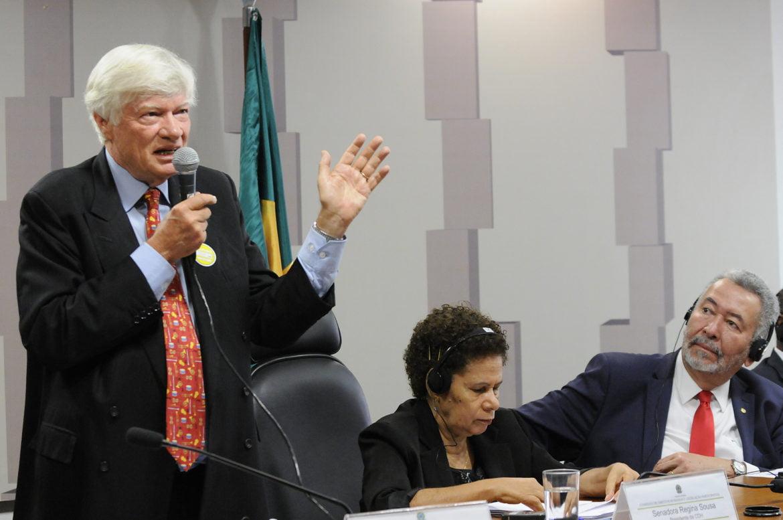 Advogado Geoffrey Robertson