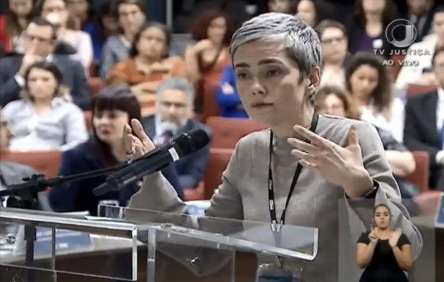 Débora Diniz, líder abortista