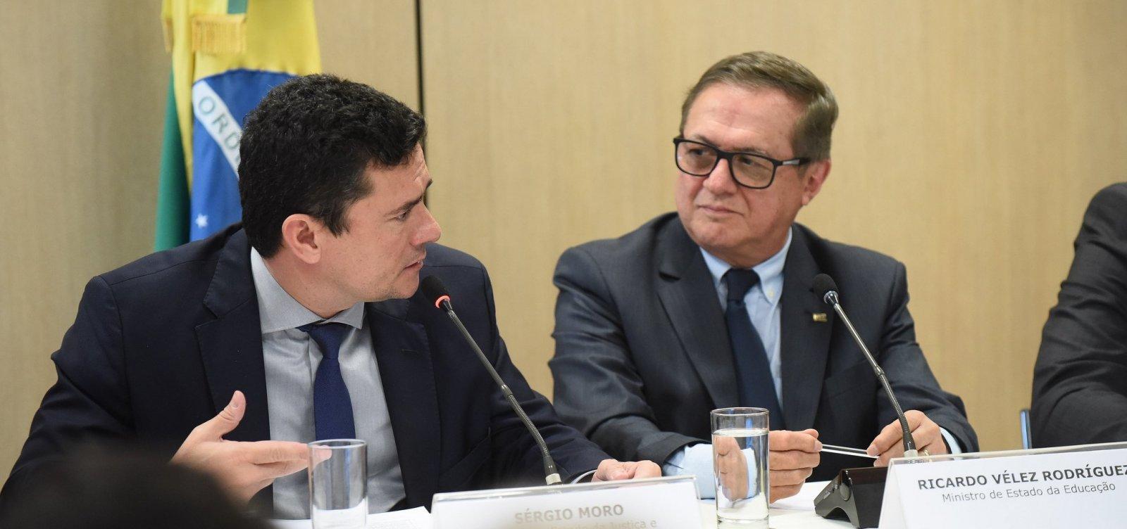 Ministro Sérgio Moro e o ministro Ricardo Vélez Rodrigues assinaram acordo para a Lava Jato da Educação.