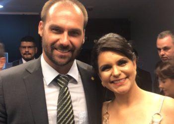 Foto: reprodução/Facebook. Deputada Dayane Pimentel e Eduardo Bolsonaro, deputado federal defensor do direito ao homeschooling e que tem até um projeto para sua regulamentação.