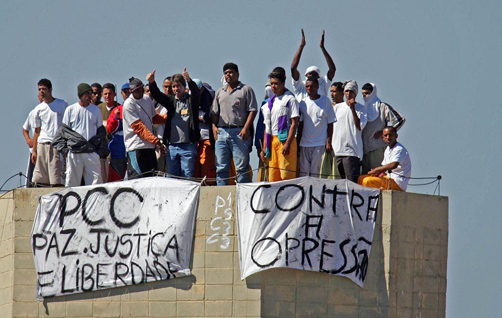 Foto de arquivo (2006) de uma rebelião contra as regras do sistema prisional