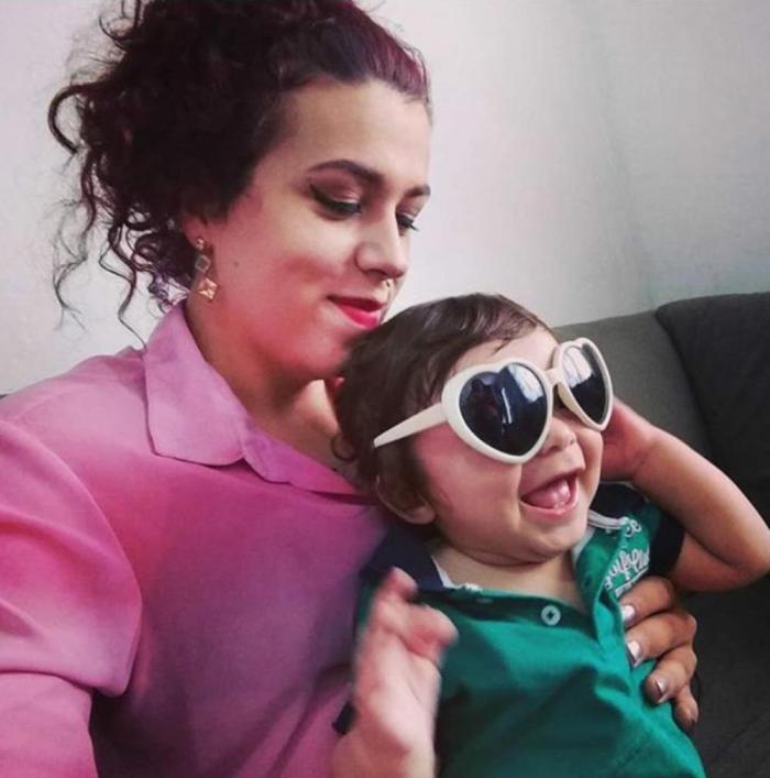 Ágata com o filho Bento (Ágata Mostardeiro / Arquivo Pessoal)